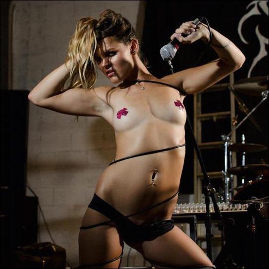 Butt-Hole-Tattoo-Girl-marialouisedelrosario009