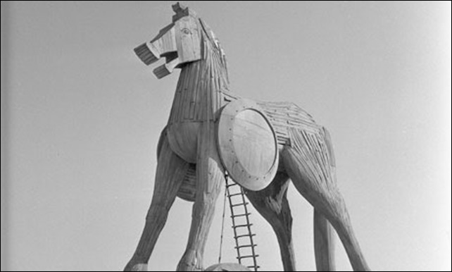 trojan-horse-007